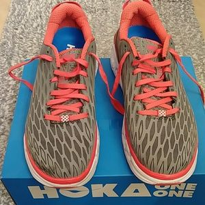Ladies Hoka One One Tennis Shoes